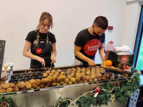 SweetStreet teamet laver lækre æbleskiver
